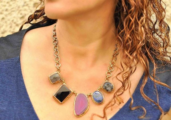 Collar de moda en piedras naturales