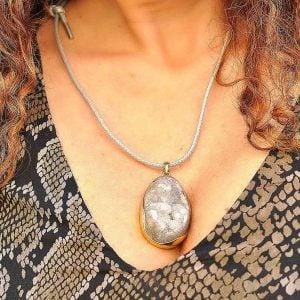 collar boho largo cuero y geoda de agata