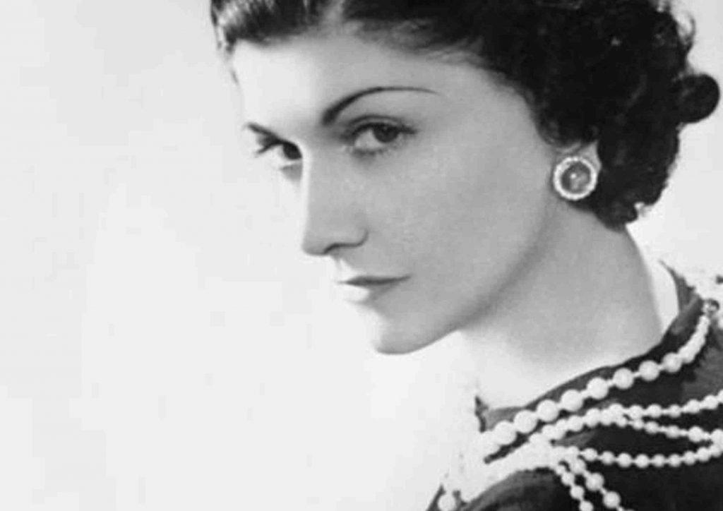 Coco Chanel collar de perlas